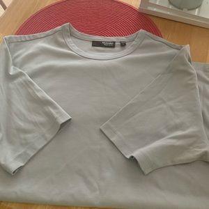 Simple gray tee shirt.